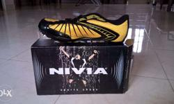 NIVIA Spikes shoes with removable long and short