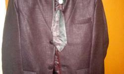Only one time worn 3 piece Suit with tie and cover for