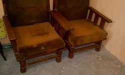 Pair of sofa one sofa 1 leg is damaged else excellent