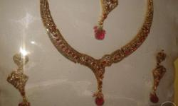 Princess necklace with head loket