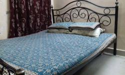 Queen Size Bed (Black Metal) with Matress