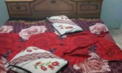 Red-beige-brown-white Floral Bed Set