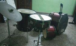 Rearly used whole new Red Drum Set.# ROCK BAND ! I hv