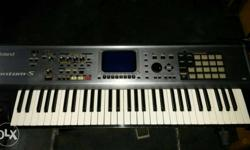 Black Polaroid Electronic Keyboard