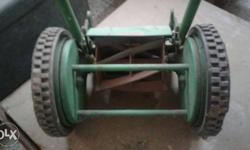 Roller Type Manual Lawn Mower Cutting Width 6 Inch