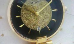 Round Gold Glittered Analog Watch With Chain Link