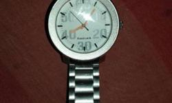 Round Silver Analog Watch With Silver Link
