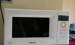 Brand new Samsung microwave for sale only 1.5 year old.