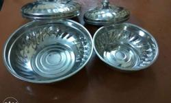 Set of 2 stainless steel vessels with lid