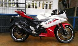 Showroom condition yamaha R15 (v2.0) for urgent sale as
