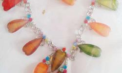 Necklace Set made out of Singapuri multi-coloured