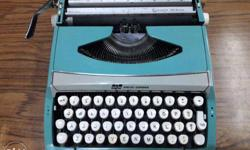 SmithCorona Portable Manual Typewriter in ready to use