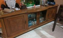 Solid wood TV Unit in great condition..