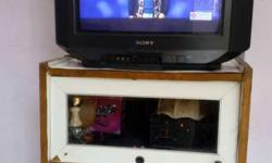 "Sony 21"" good running condition TV with Stand"