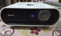Sony VPL-EX5 Projector (3 Year Old)