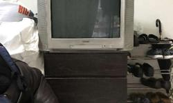 Sony wega CRT TV in good condition 32 inch