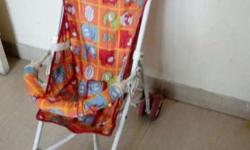 Stroller, foldable, easy to carry with breaks, in good