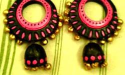 The jewellery made out of terracotta is very trendy and