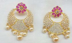 This design of earring set is a feminine fantasy. These