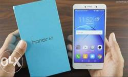 this huwaeii honor 6x is only 7month old with bill and