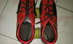 This is shoes skate very new condition and size is 5