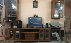 TV unit with 2 set of show case in very good condition.