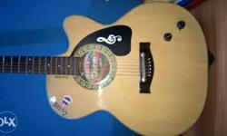 Very good Givson rosewood with pickup and valume