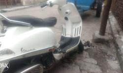 Vespa s 125cc in an excellent condition.50+average with