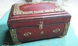 vintage wooden box I have many box my what aap number