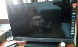 32 inch lcd tv in a very good running condition.