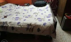 White And Purple Floral Print Bed Sheet