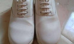 white shoes,size7
