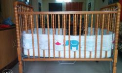 1. This is US imported wooden cradle along with an