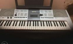 Yamaha keyboard I 425 for sale in mint condition hardly