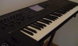 yamaha motif xf6 in excellent condition for sale.