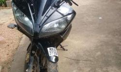 My r15 byke blk colour mint condition tyer new nd no